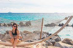 Beach style. Look da Ju em Aruba. A praia dos Flamingos é um dos programas incontornáveis de Aruba. Destino mais do que perfeito para aquela viagem romântica dos sonhos! Vem ver mais no blog! :* Flamingo Beach is one of the hot spots of Aruba. Take a look at these pictures and tell me if am I wrong? Such an amazing destination for romance! Foto: Inspire Blog | Hotel Renaissance Aruba Resort #viagem #travel #wanderlust #wanderer #honeymoon #luademel #viagemdossonhos