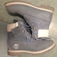 Baby Blue Timberland Boots - Cutest Timberlands I have ever owned // Great Condition Baby blue Size 6 Timberland Boots Shoes Combat & Moto Boots