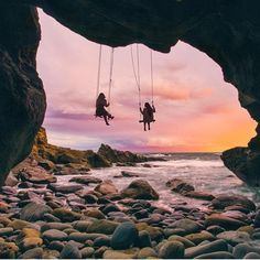 Who would you swing with? Laguna Beach, California | Photography by erubes1 (IG)
