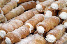 Nusskekse | GuteKueche.at German Desserts, German Recipes, Cake & Co, Hot Dog Buns, Donuts, Sausage, Bakery, Deserts, Dessert Recipes