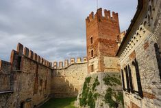 Soave is a nice village in the province of Verona. Soave in Italian means sweet, pleasant. It is mostly famous for its wines, Soave and Recioto. The Province, Lonely Planet, Tower Bridge, Verona, Medieval, Castle, Explore, Mansions, House Styles