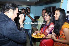 Govinda at #KaaminiKhanna's mono act '#Jaago' #AartiSingh #RaginiKhanna #BollywoodNews