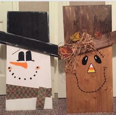 tall, reversible scarecrow to snowman. Straw, burlap and flowers accessories on scarecrow. Burlap ribbon on snowman. Wood Fence Post, Pallet Boards, Burlap Ribbon, Wood Signs, Fun Crafts, Fall Decor, Snowman, Hand Painted, Unique Jewelry