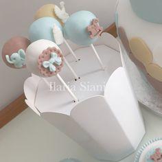 Cake pops battesimo a tema elefantino 👶🏻🐘🍼 #instafood #ilas #ilassweetness #cakepops #cakedesign #battesimo #babyshower #pastadizucchero  www.ilas.webnode.it www.facebook.com/ilascake