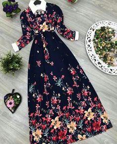 "39 Beğenme, 1 Yorum - Instagram'da tesettür hijab triko Turkey (@tarzimahal): ""Elbise 35 ₺ kargo 10 ₺  beden 36/38/40/42/44 örme krep  Renk  Boy 140  cm siparis…"" Modesty Fashion, Fashion Dresses, Modest Outfits, Casual Dresses, Hijab Fashion Summer, Frocks And Gowns, Fall Floral Dress, Modele Hijab, Mode Abaya"