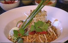 Pad thai recipe : Food Safari : SBS Food