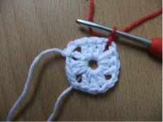Leren haken voor beginners - gratis online   Handwerk.nl Crochet Necklace