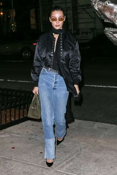 Bella Hadid Heads Out to Cipriani in New York. Celebrity Fashion and Style Bella Hadid Outfits, Bella Hadid Style, Fashion Now, Trendy Fashion, Fashion Outfits, Street Chic, Street Style, Street Fashion, Celebrity Outfits