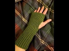 Easy Knit Fingerless Gloves Tutorial - YouTube