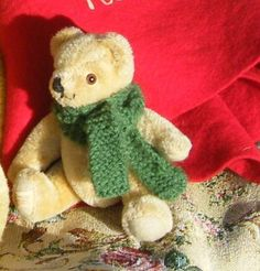 Tiny vintage Merrythought bear Vintage Teddy Bears, Bear Toy, Rag Dolls, Old Friends, Buns, England, Animals, Plushies, Doggies
