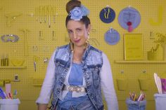 Ready for you next DIY project? Here's what you can do with your old jeans according to SuzelleDIY. Old Jeans, Done With You, Lifestyle, Watch, Denim, Tips, Fashion, Moda, Clock