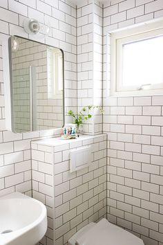 Bilderesultat for ido toalett Small Shower Room, Small Space Bathroom, Small Showers, Hall Bathroom, Bathroom Toilets, Bathroom Inspo, Budget Bathroom, Bathroom Renos, Modern Bathroom