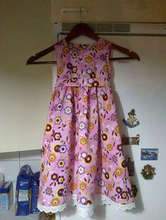 Valmiista kaavoista pikku prinsessalle mekko