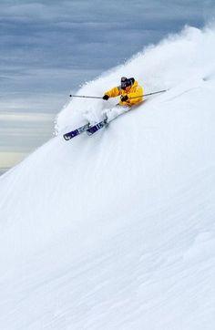 Knallen door die poedersneeuw! #skiing http://www.snowx.nl