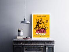 """Placa decorativa """"Filme Blazing Saddles""""  Temos quadros com moldura e vidro protetor e placas decorativas em MDF.  Visite nossa loja e conheça nossos diversos modelos.  Loja virtual: www.arteemposter.com.br  Facebook: fb.com/arteemposter  Instagram: instagram.com/rogergon1975  #placa #adesivo #poster #quadro #vidro #parede #moldura"""