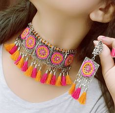 EWELRY Color : Gold/Silver Material : Metal Sale For : Piece) Collection : Antique Set of Necklace & Earrings Indian Jewelry Earrings, Indian Jewelry Sets, Women's Jewelry Sets, Jewelry Design Earrings, Silver Jewellery Indian, Stylish Jewelry, Cute Jewelry, Necklace Designs, Western Jewellery