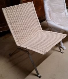 Le Corbusier Bauhaus Style Chair Brown Leather and Chrome Italy
