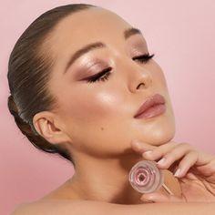 Glam Makeup, Makeup Kit, Charlotte Tilbury Sephora, Glossy Eyes, Makeup News, Flawless Foundation, Makeup Must Haves, Cream Eyeshadow, Celebrity Makeup
