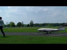 RC Super Connie Motors 2 PS Show flight very low and fast overflight