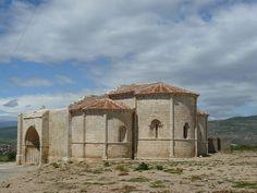 Uceda. Ruinas de la iglesia románica de Santa María de la Varga