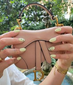 Christian Dior super mini saddle pouch handbag The Blonde Salad, Prada Bag, Replica Handbags, Images Gif, Little Things, Christian Dior, Bucket Bag, Pouch, Louis Vuitton