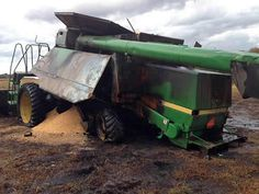 John Deere 9600 combine salvaged for used parts. This unit is available at All States Ag Parts in Sikeston, MO. Call 877-530-7720 parts. Unit ID#: EQ-23335. The photo depicts the equipment in the condition it arrived at our salvage yard. Parts shown may or may not still be available. http://www.TractorPartsASAP.com