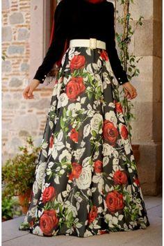 Gül Desenli Elbise Pınar Şems