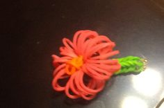 Rainbow Loom FLOWER ring. :) Love this! Is there a video?