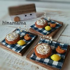 レモンメレンゲケーキ3セット完成しました★  今回はコメント先着順でお願い致します(o^-^o) 1セットはご新規様専用で出品します★ ケーキの土台、レモン、トレーの板厚なども前回と変更しました♪ * * #ミニチュア#ミニチュアフード#ハンドメイド#ミニチュアスイーツ#ドールハウス#miniature#miniaturefood#handmade#dollhouse #miniaturesweets#レモンメレンゲ#メレンゲケーキ