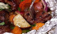 On n'a pas fini de vous étonner... Notre papillote de boeuf au beurre à l'ail et aux herbes sur le barbecue est fantastique!