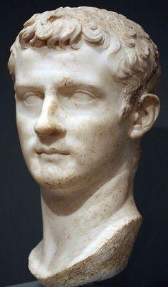 Emperor Caligula, Roman bust (marble), 1st century AD (Art School and Museum, Worcester Mass.).