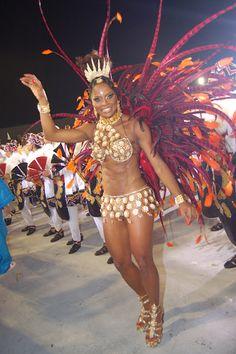 Adriana Bombom, apresentadora, passista de escola de samba e modelo brasileira, no Carnaval do Rio de Janeiro.