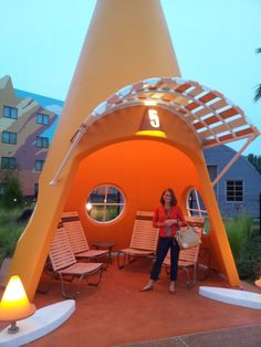 Disney's Art of Animation Resort ~ Cars - GO MOM!
