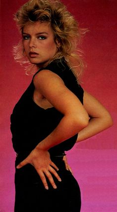 Kim Wilde 1983 Pop Singers, Female Singers, Kim Wilde, Pat Benatar, Kim Novak, 80s Pop, Rocker Girl, Idole, Stars Then And Now