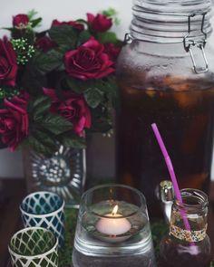 ENCUESTA EXPRESS #marianitotime Cual es vuestro nivel de mosqueo si os sirven el #vermouth sin aceituna? Vota!! Mosqueo Máximo No es para tanto . . . . . @mrperita #vermouth #fiestas #eventdecor #organizacioneventos #donostia #sansebastian #gipuzkoa #drinkstation #boholovers #bohovibes  #flowerstagram #showmeyourboho #candles #eventplannee #partyplanner