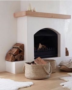 Great Free stucco Fireplace Makeover Suggestions Now there are lots of interesting hearth transform tips of course, if you would like the most effective versions that co Stucco Fireplace, Home Fireplace, Fireplace Remodel, Fireplace Design, Fireplaces, Inset Fireplace, Fireplace Makeovers, Simple Fireplace, Farmhouse Fireplace