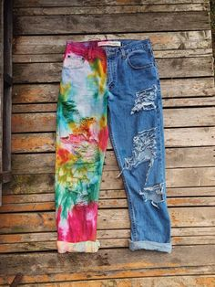 I NEED a pair of these! tiedye bohemian Trends I Don't Think Will Make It to Latta Tie Dye Wide Leg JeansReduzierte Hüftjeans & Low Waist Diy Jeans, Diy Tie Dye Jeans, Tye Dye Jeans, Jeans Refashion, Clothes Refashion, Painted Jeans, Painted Clothes, Distressed Clothes, Diy Clothing
