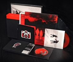 THE WHITE STRIPES – UNDER GREAT WHITE NORTHERN LIGHTS BOX SET. If you want to customize a DVD packaging, visit www.unifiedmanufacturing.com