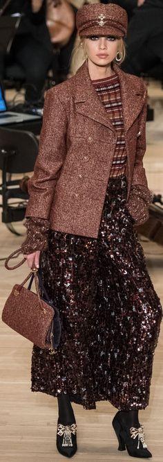 66 New ideas moda chic chanel haute couture Moda Fashion, Fashion 2018, High Fashion, Womens Fashion, Chanel Fashion, Couture Fashion, Runway Fashion, Fashion Trends, Haute Couture Skirts