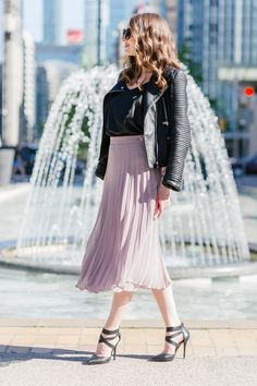 Welcome to your feminine style haven! Whether you are looking for perfect everyday tulle skirt, gorgeous tutu, or formal neoprene skirt - we have them all. Pleated Skirts, Chiffon Skirt, Dress Skirt, Midi Skirt, Tulle Tutu, Summer Is Here, Feminine Style, What To Wear, Street Style