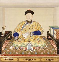 "Giuseppe Castiglione(Jesuit)(郎世寧). 郎世宁在宫廷内作画,获得了许多荣耀,不但超过了其他欧洲传教士画家,而且令众多供奉宫廷的中国画家也无法望其项背。但郎世宁在为中国皇帝服务时,其身份仅是一个宫廷画家而已,并无优越条件。他的欧洲伙伴王致诚曾在写往欧洲的信件中说起他们作画的情形:""吾人所居乃一平房,冬寒夏热。视为属民,皇上恩遇之隆,过于其他传教士,但终日供奉内廷,无异囚禁……作画时颇受挚肘,不能随意发挥。""其作画场所及条件都十分艰苦,郎世宁的荣誉来之不易。争议:郎世宁后又被皇帝赏赐官服并升官,与上方存在争议,并且,郎世宁被奖赏的原因为:为圆明园的欧洲艺术区给予设计,以及30年的忠心。"