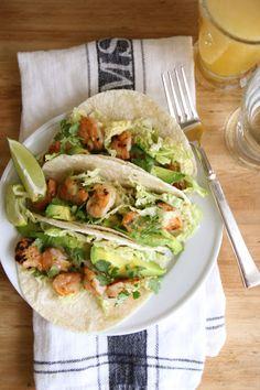 Shrimp avocado and cilantro tacos Shrimp Recipes, Mexican Food Recipes, Dinner Recipes, Grilled Shrimp Tacos, Shrimp Avocado, Fresh Avocado, Spicy Shrimp, Cooking Recipes, Healthy Recipes