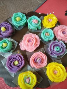 Cream Flowers, Cream Roses, Jelly Cream, Jelly Cake, Edible Art, Jello, Cake Decorating, Pudding, Drink