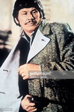 The US actor Charles Bronson is firing a shot in a scene of the film. Actor Charles Bronson, Sites Like Youtube, Video Site, Still Image, Documentaries, Death, Cinema, Celebs, Time Travel