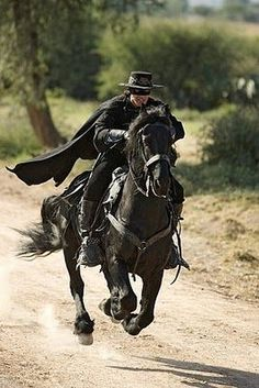 Mark Alan Keyser ~ ~ Sad news today for both the Friesian world and the movie industry. Tonka, owned by Diana Drouillard, the horse ridden in the motion picture Zorro by Antonio Banderas, passed away today at the age of 😔 Go run free now my friend. Scott Eastwood, Pulp Fiction, The Legend Of Zorro, The Mask Of Zorro, Horse Costumes, Movies Costumes, Hayden Christensen, Old West, The Lone Ranger