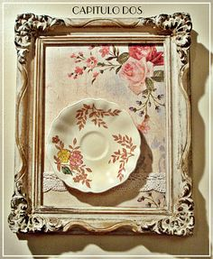 How to use picture frames in interior Design? Picture Frame Decor, Vintage Picture Frames, Shabby Chic Frames, Shabby Chic Pink, Marcos Shabby Chic, Vintage Plates, Frame Crafts, French Country Decorating, Vintage Walls