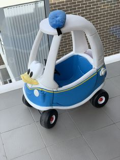 Little tikes Cozy Coupe makeover - Donald Duck Shop Ideas, Diy Ideas, Cozy Coupe Makeover, Mermaid Crafts, Little Tikes, Craft Shop, Fisher Price, Gabriel, Donald Duck