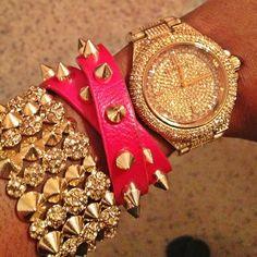Me encantan las dos pulseras y el reloj juntos