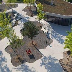 Central Plaza: Cooperative Housing Katzenbach by Robin Winogrond Landschaftsarchitekten #landscapearchitectureplaza