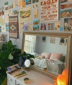 Run Tour, Warm Home Decor, New Room, How To Run Longer, Dorm, Vsco, Gallery Wall, Kid Cudi, Interior
